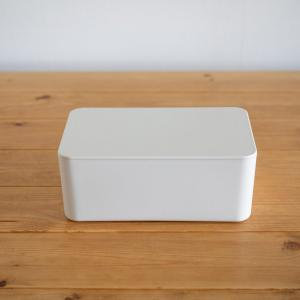 テーブル周りをシンプルに。無印良品のウェットティッシュケース買いました