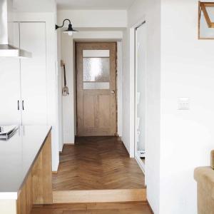 【リノベーションでこだわった造作ドア】アネストワンのオリジナルドアを採用!