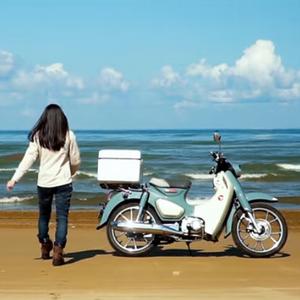 バイク女子 砂浜をC125で走るなら