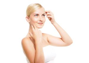 肌の乾燥でかゆみが!乾燥肌の原因と対策方法は?化粧水を変えてみる?
