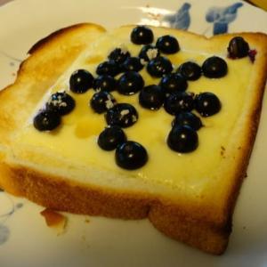 ブルーベリー・トースト