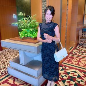 顔タイプフェミニン・骨格ウェーブタイプにおすすめの結婚式ドレス&二次会ワンピース
