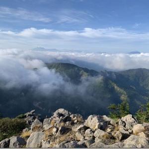 思い出のあの地から最高の朝焼けと雲海を 初のテント泊ハイクぐんま百名山 36座目【横手山】DAY2