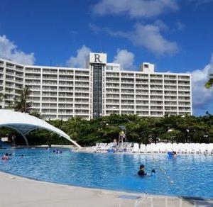 夏休みのルネッサンスリゾート沖縄 デラックスツイン クラブサビーで無料ランチ&プラチナ特典クラブラウンジ