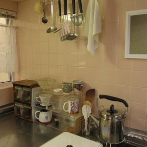 築32年の台所のタイルの汚れ…