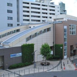 朝の散歩で椎名町駅の電車 3-1