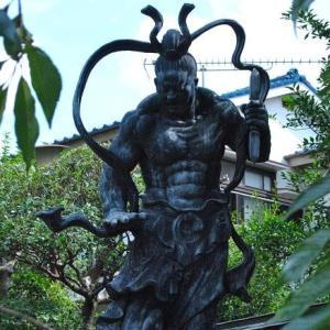 朝の散歩 西光院の仁王像  5