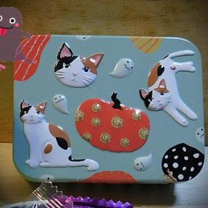 猫パッケージの飴ちゃん2種