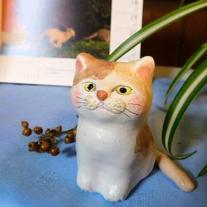 パステル三毛の紙粘土人形