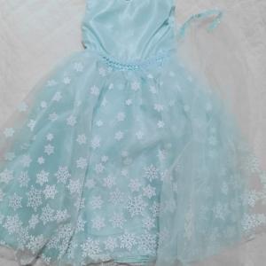 【4歳】お誕生日用?娘へのプレゼントはエルサ風ドレス