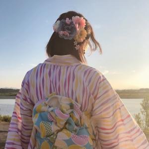 夕日で綺麗な景色に浴衣