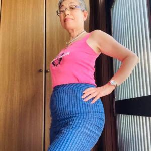 今日はスカート履いてます!