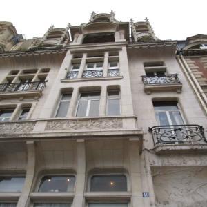 パリ市内のルレ ラリックが住んでいた館
