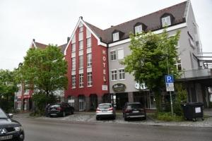「鉄宿」の駅前ホテル (ドイツ・GERMANY)