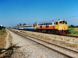 ローカル列車 (タイ・THAI)