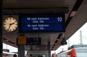 御乗り間違いにご注意 (ドイツ・GERMANY)