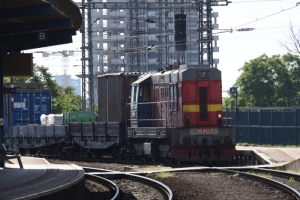 場違いな貨物列車 (スロバキア・SLOVAKIA)