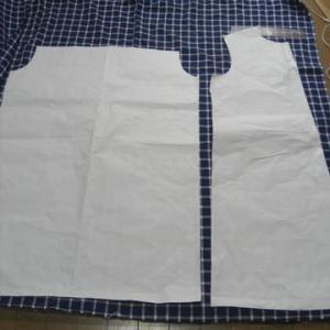 半袖シャツワンピースを作る ③   裁断そして縫製