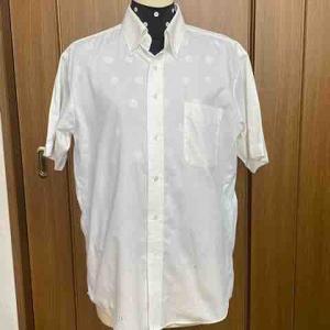 メンズシャツ、襟が開いてしまう時の対処法