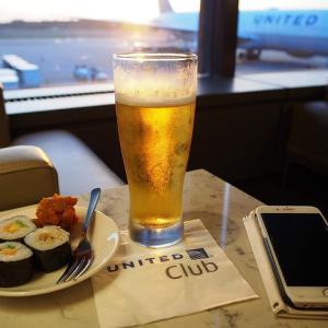 2018 ハワイへ UA902エコノミークラス機内食とラウンジ1