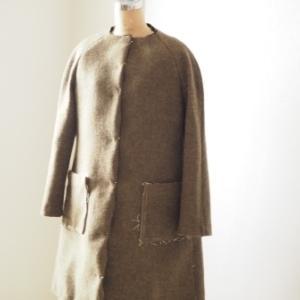 作りかけのコートを形にしようとミシンがけ。意外にいいかも?