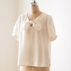 成瀬文子さん『アトリエナルセの服』より「リボンカラーブラウス」を作りました。