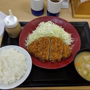 かつやさんの感謝祭で、ロースカツ定食(かつや千歳店:千歳市北栄2)