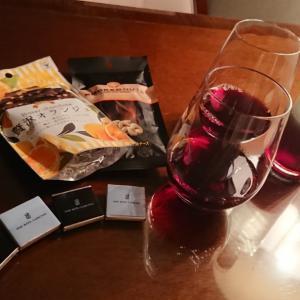 ワイン飲みながらのおしゃべりは深夜まで