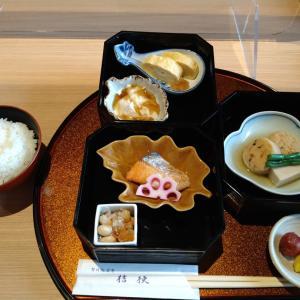 京都の古刹で味わう朝ごはん