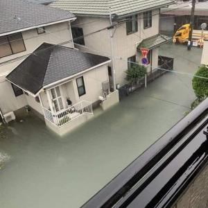 海外「流石は日本」 台風で洪水になっているのにゴミが浮かんでいないと話題に