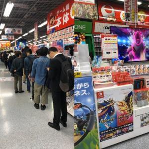 海外「海外での前評判にも関わらず、日本のポケモンソード&シールドの発売日には真夜中に行列が出来ているようだ」