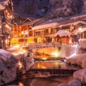 海外「アメリカとは全然違う雰囲気だな」 日本の冬の温泉街の写真が話題に