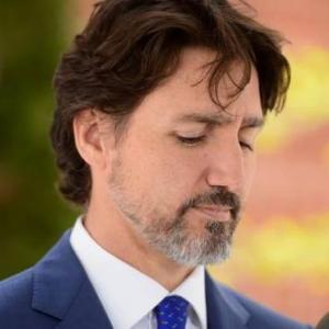 海外「カナダの首相が中国の不良品マスクに金を払うつもりはないと発言」