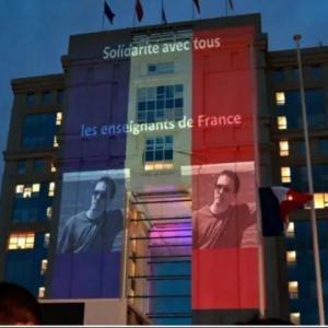 海外「フランスがシャルリー・エブドの風刺漫画を政府の建物に投影するそうだ」