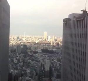 海外「地震で揺れる日本の高層ビルを見てみよう」→「こんなに揺れているのに崩壊しないのが凄いな」