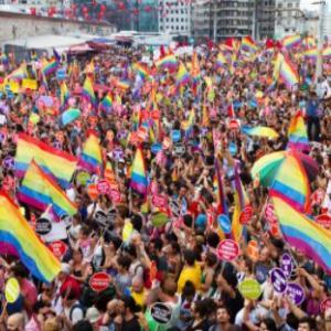 海外「同性愛や性転換に反対することは何も間違っていない」