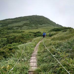 【新潟、魚沼】中越の名峰浅草岳へ。ヒメサユリの季節が過ぎると山頂はマムシ天国でした😱2020年8月8日(土)