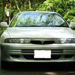エメロード(E54A型)という三菱の車が、かつてありました