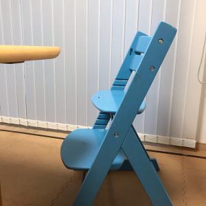 スタディコーナー用の椅子、買っちゃった!子供の姿勢を守るっていう例の椅子