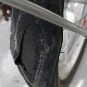 三輪自転車のタイヤ