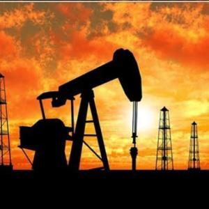 下がり続ける石油株