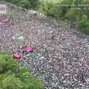 香港のデモは、収束するどころか激化中