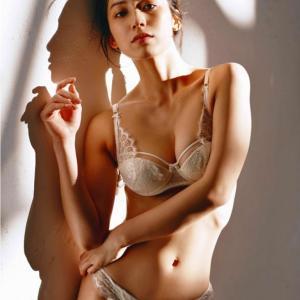 【167cm】『全裸監督2』体当たり演技で大注目女優・佐藤あいりちゃん1st写真集♥