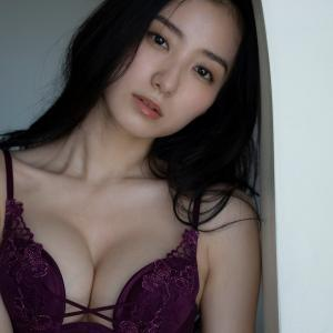【167cm】圧倒的美貌とボディで魅せる 11年ぶり撮り下ろしグラビア高田里穂ちゃん♥