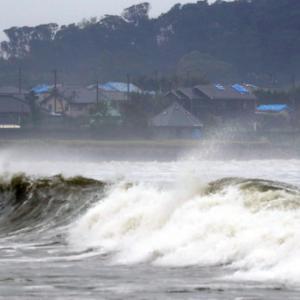 【悲報】東京五輪組織委「開催中に台風が来てマラソン中止になったらどうしよう…」