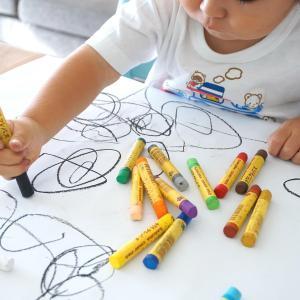 幼稚園から持ち帰った作品はどう保管する?最適な収納方法は?