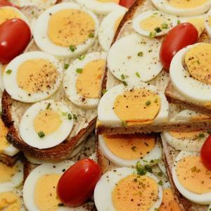 ゆで卵の冷やし方や綺麗な剥き方は?割れない場合に試してほしいことまとめ