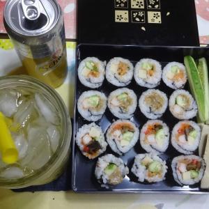 今日は巻き寿司