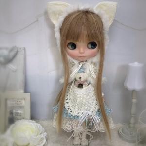 【出品情報】白ネコ頭巾とくまちゃんポッケのドレスセット ブライス