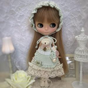 【出品情報】ブライス 服 ニット バブーシュカとくまちゃんポッケのドレスセット